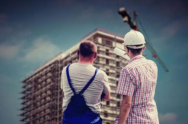 Ile zarabia inżynier budowy i  jak nim zostać?